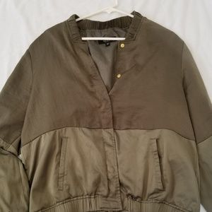 GUESS OLIVE GREEN BOMBER JACKET SIZE:L